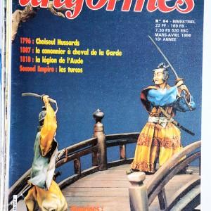Lot de 8 revues Uniformes Magazine