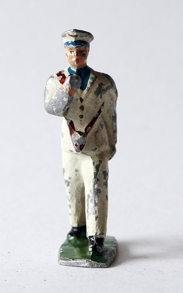 Figurines Quiralu ou plomb creux Porte Drapeau
