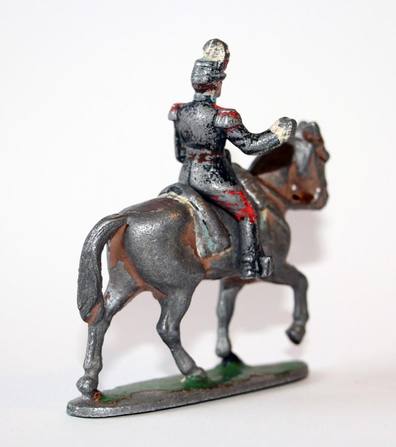 Figurine Quiralu ancienne Cavalier Saint Cyr Ecole militaire 1940 Porte Drapeau