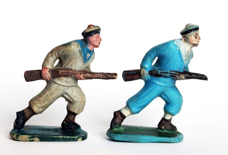 2 Anciennes Figurines Sans Marque - Marins - Marine France