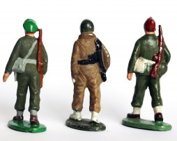 3 Figurines Quiralu Infanterie - 2nd Guerre Mondiale - Repeintes