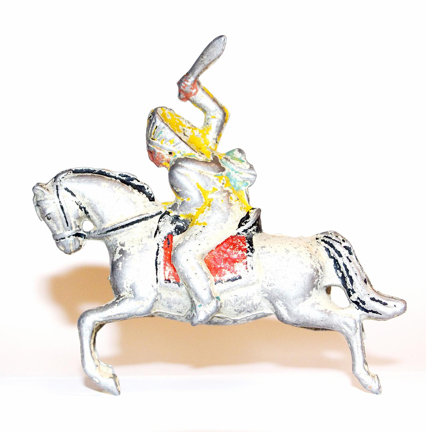 2 Figurines Quiralu Anciennes Indiens Des Plaines - Cavalier