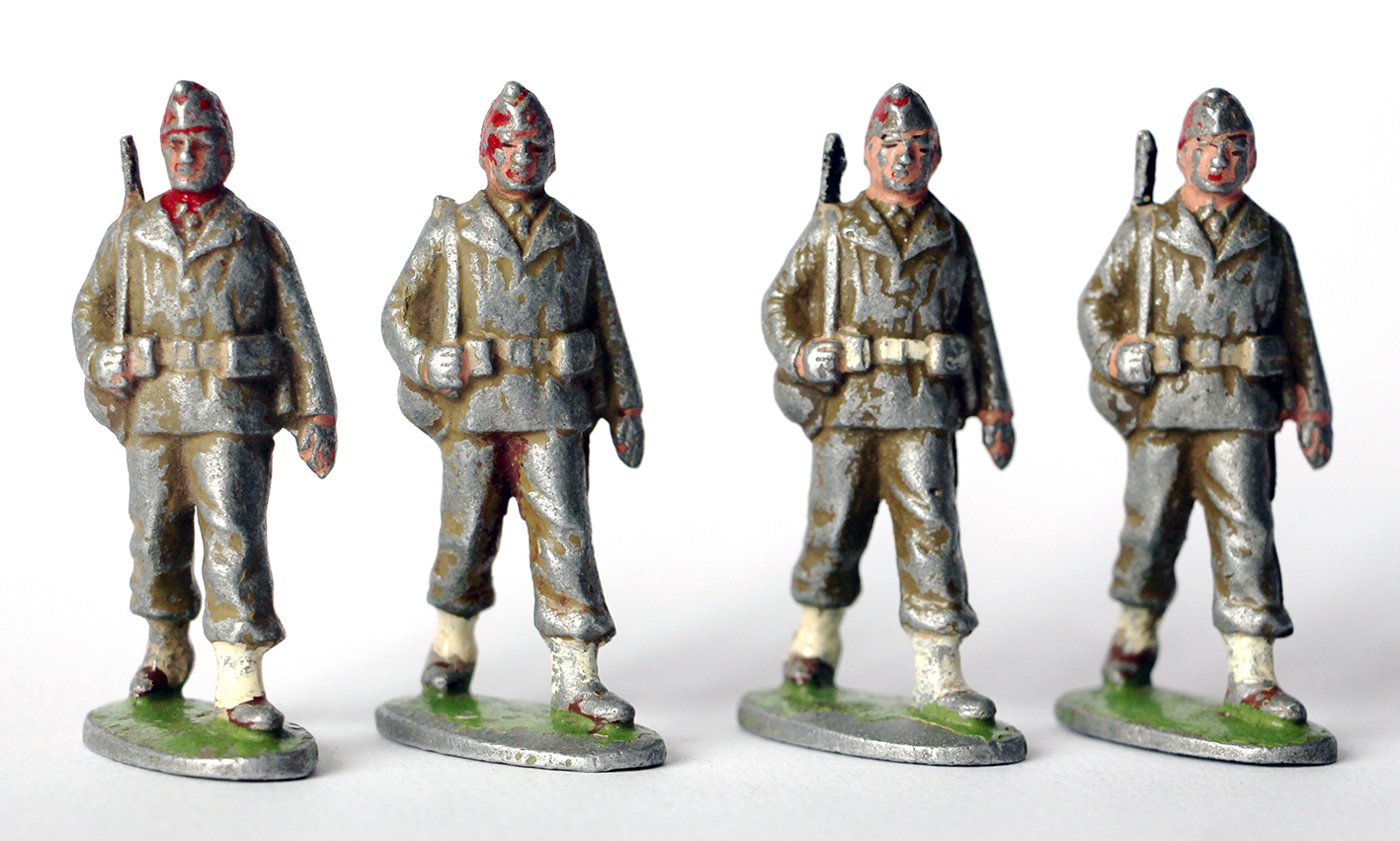 4 Figurines Quiralu ancienne Infanterie France 1950