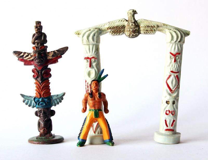 Scène Indien Totem Campement Starlux et autre marque