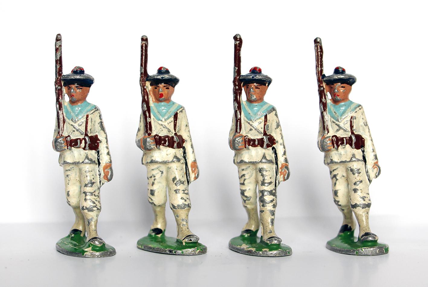 7 Anciennes Figurines Quiralu année 50/60 - Marine Française - Défilé Guerre