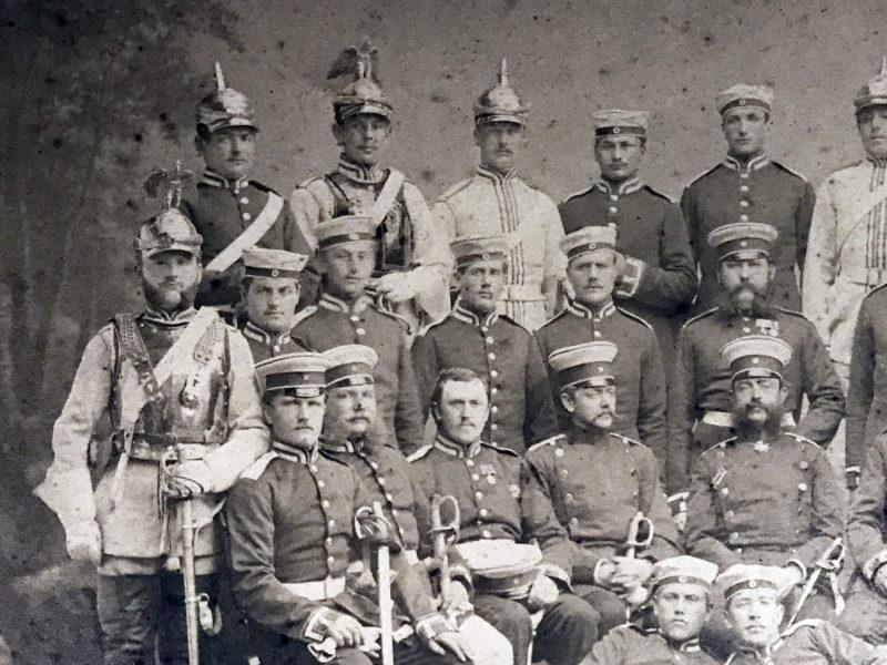 Grande photo de régiment - Soldat Allemand / Alsacien - Cavalerie - Grande tenue - Casque à pointe - aigle - Garde du Corps - 1875/1878