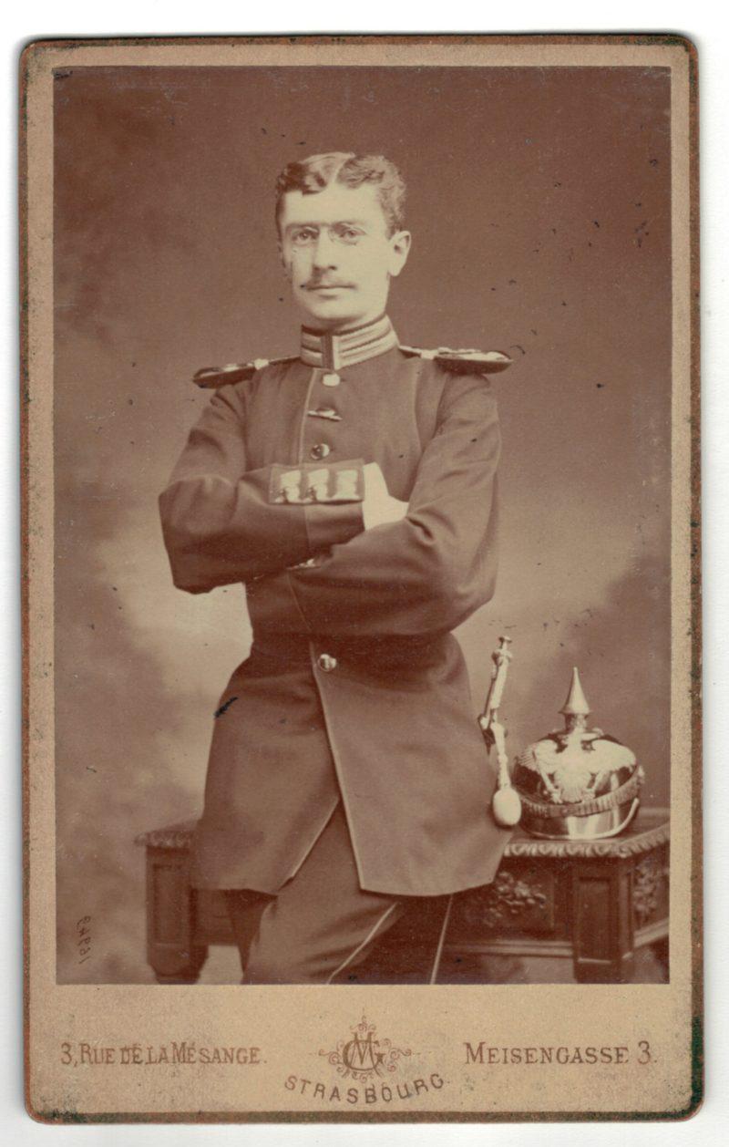 Carte CDV photo - Soldat Allemand Strasbourg - Officier Casque à Pointe.