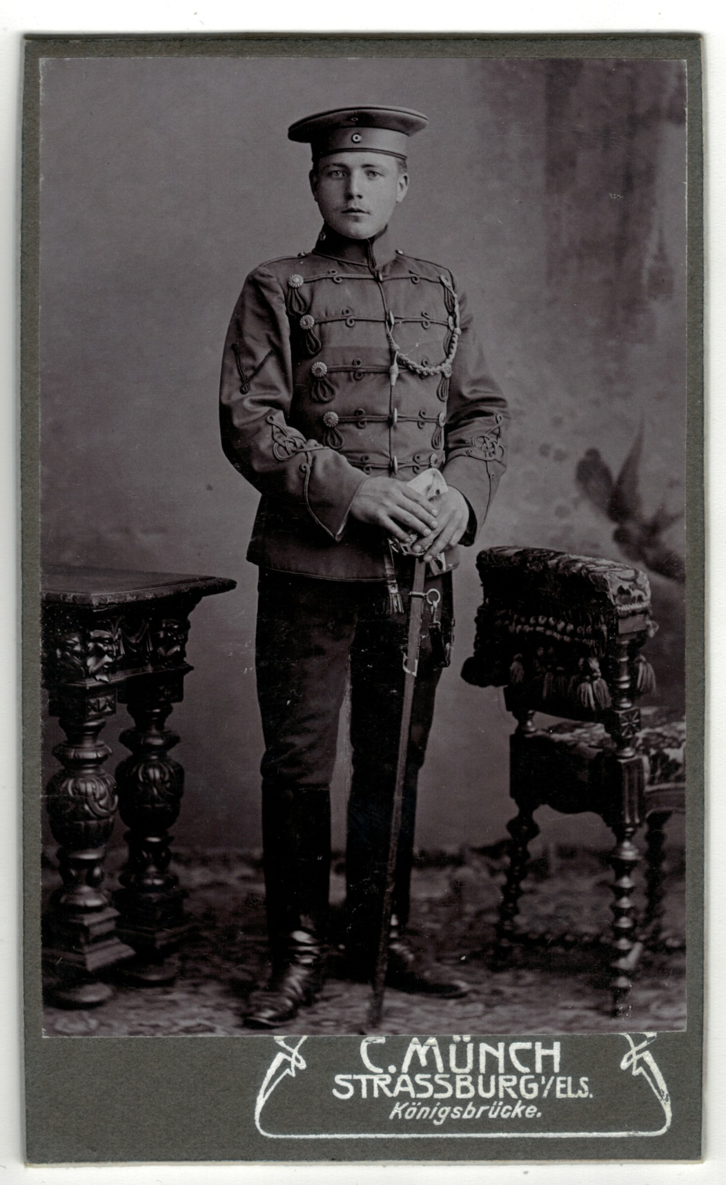 CDV Soldat Allemand / Alsacien – Armée Cavalerie – Grande tenue – Hussard – Sabre