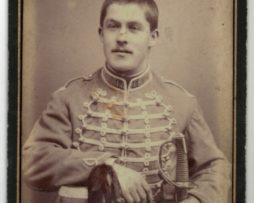 CDV Soldat Français - Armée Hussard - Uniforme - 3éme République - Sabre - Shako