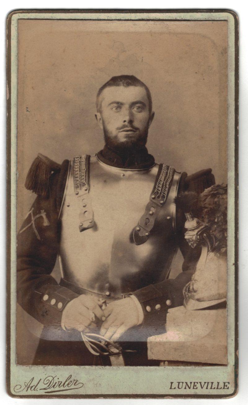 CDV Soldat Français - Armée Cavalerie - Grande tenue - Casque Cuirassier - Cuirassier Sapeur 3eme République - Sabre 1898