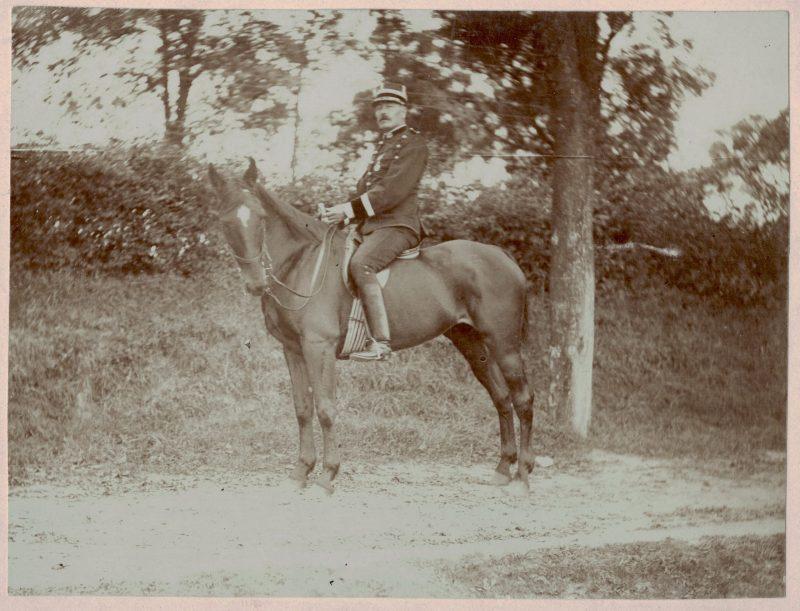 Photo militaire cavalier dolman brandebourg infanterie médecin