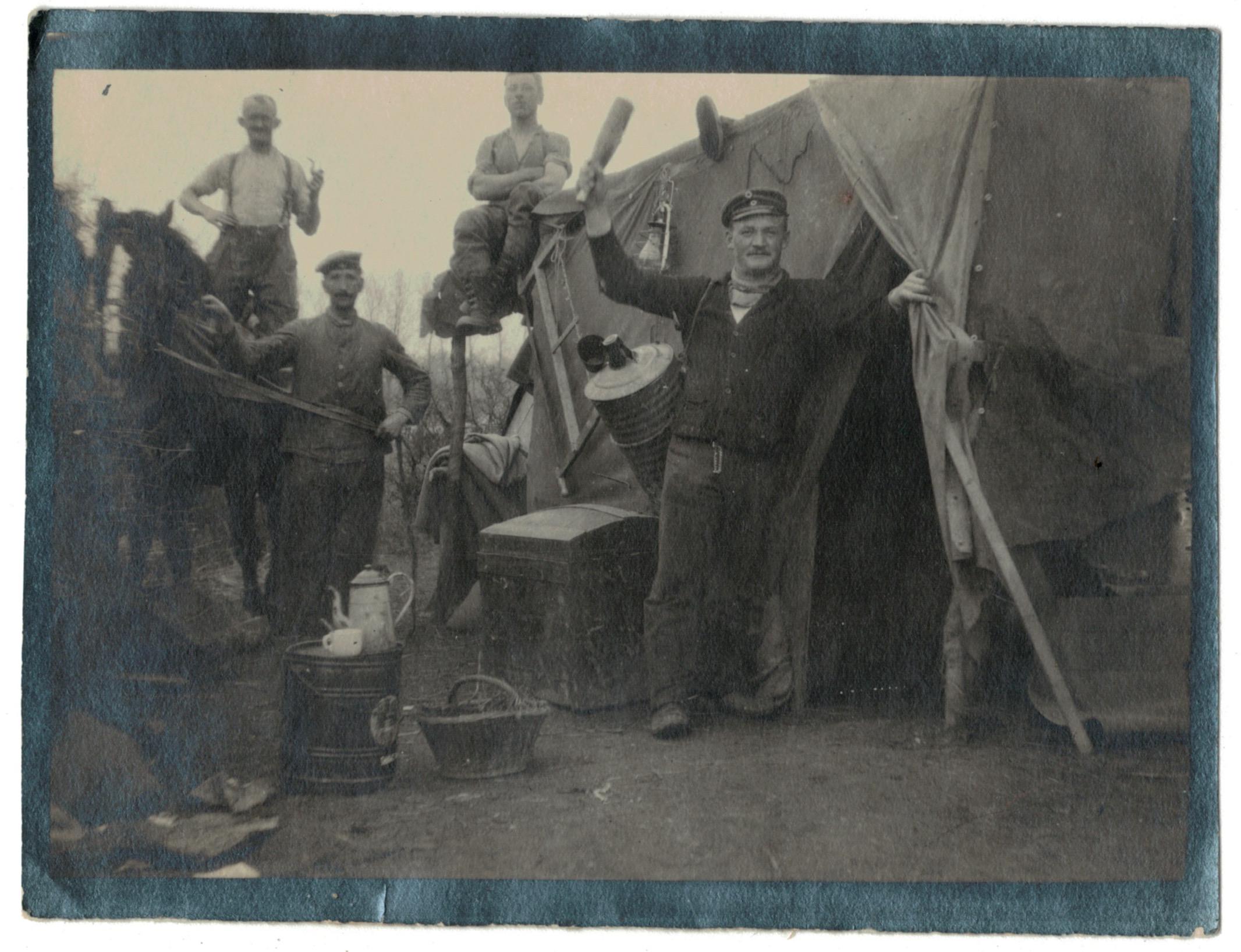 Photo papier originale - Infanterie 14/18 - Allemagne - Tranchée - Front - Campement