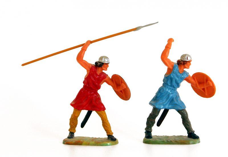 2 Anciennes Figurines Hausser Elastolin German plastic Normand