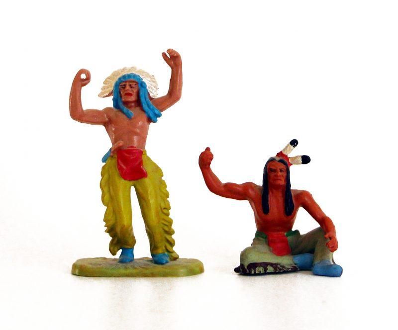2 Anciennes Figurines Hausser Elastolin German plastic Indien Far West