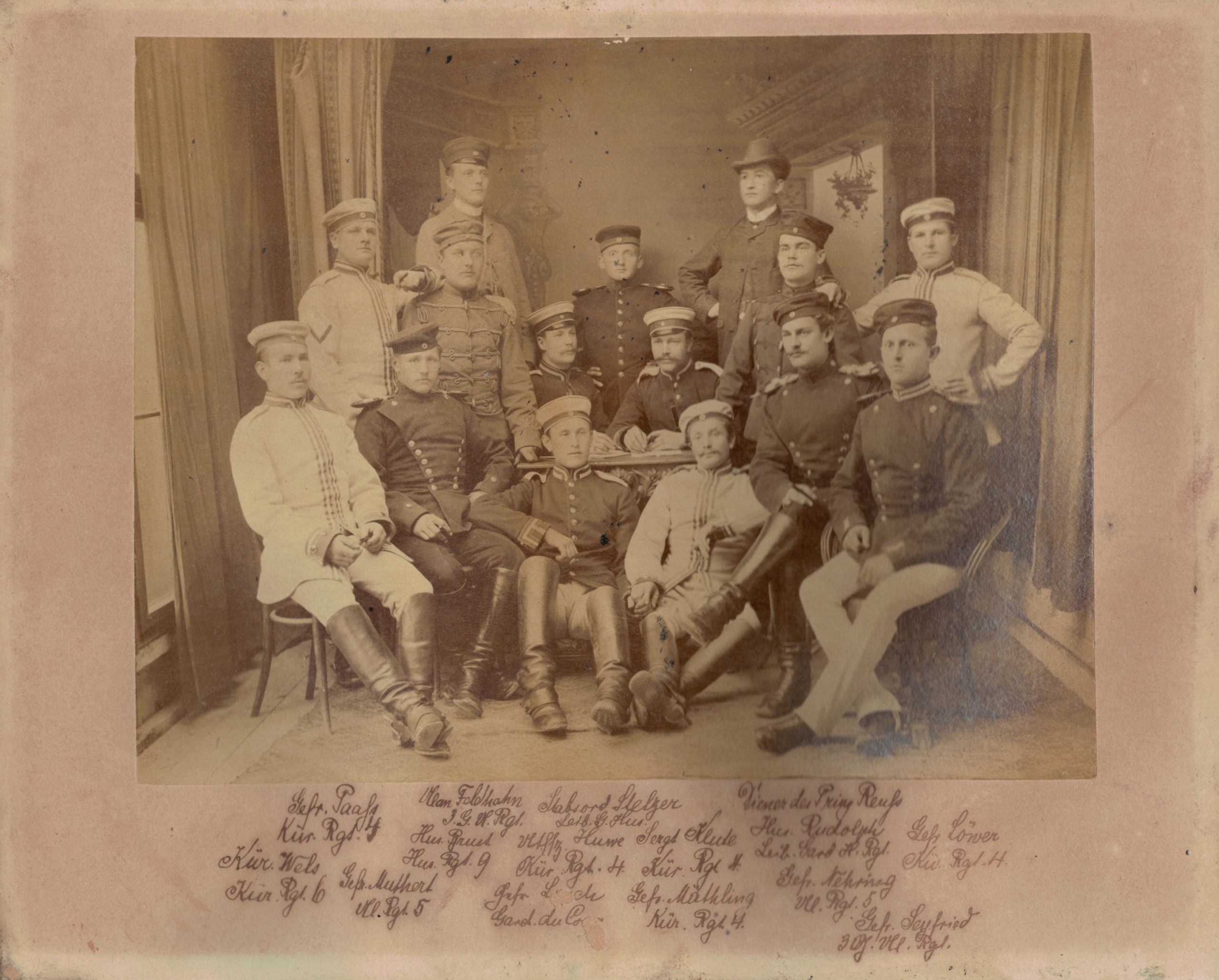 Ancienne Photographie - Photo atelier - Prusse - Uniforme - Guerre 14/18 - Service Militaire - Cuirassier - Uhlan - Hussard