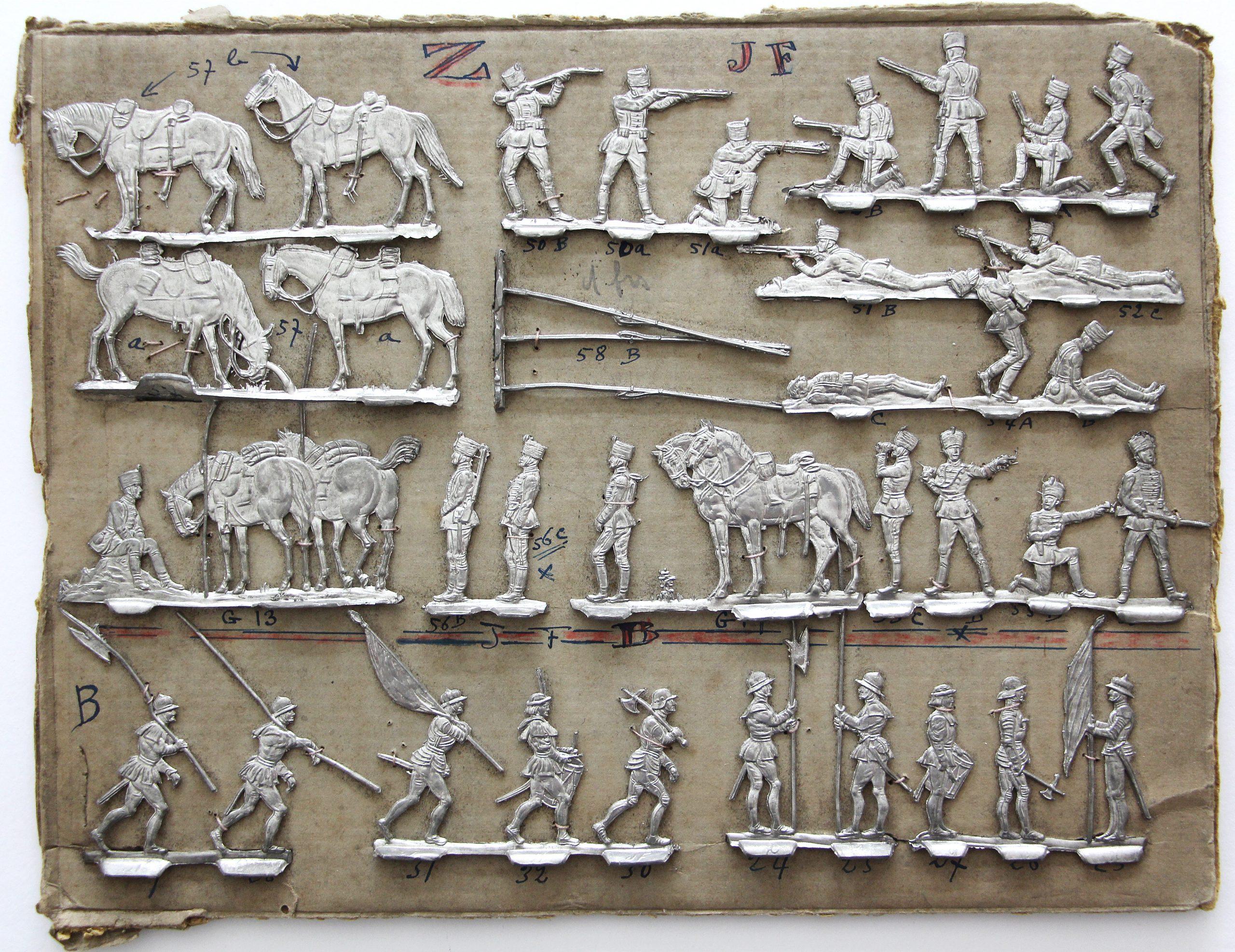Plat d'étain ancien - Plaque de présentation - XIX siècle - Soldat - Figurines