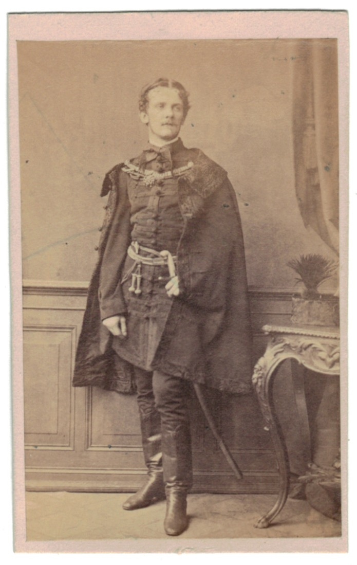 Photographie - CDV vintage albumen carte de visite - Circa 1870 - Hongrois - Noblesse - Magyar - L.Hasse & Comp in Berlin - Uniforme - Noble - Berlin