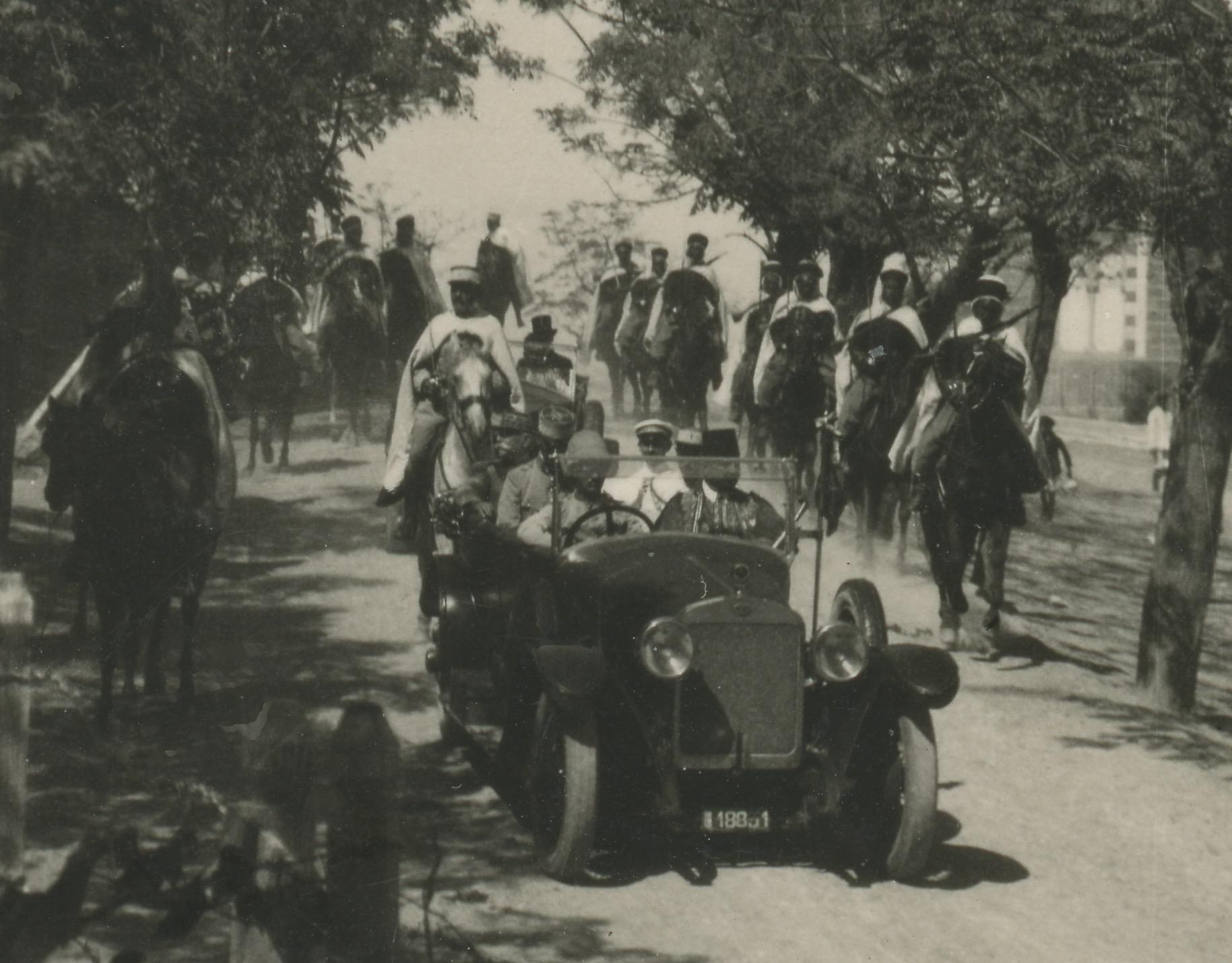 Snapshot - Photo papier originale - Revue - 1940 - Territorial - Uniforme - France - Snapshot - Famille - Syrie - Spahis