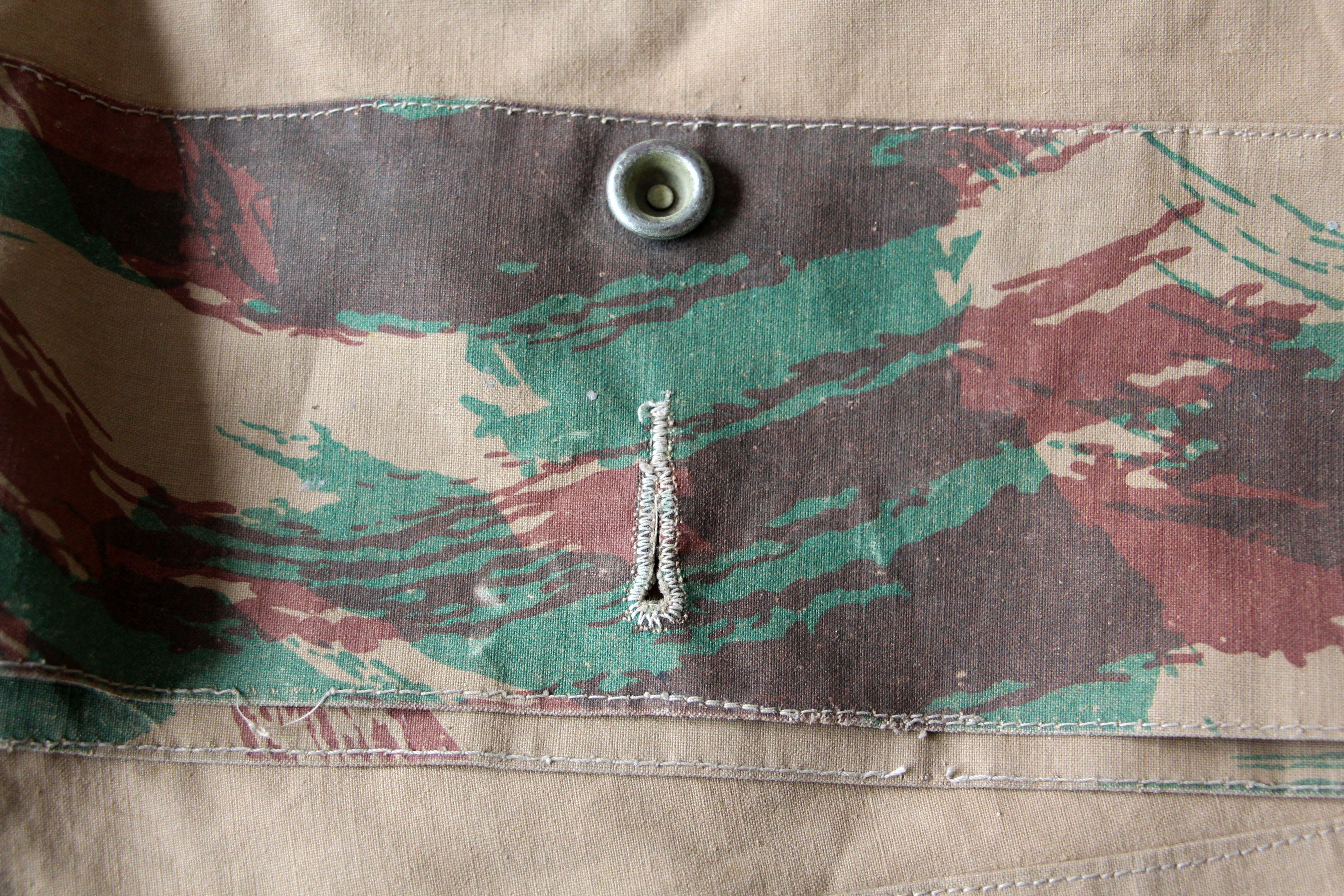Toile de tente / poncho - Armée française - XX - Infanterie de marine - Guerre Algérie - Camouflage