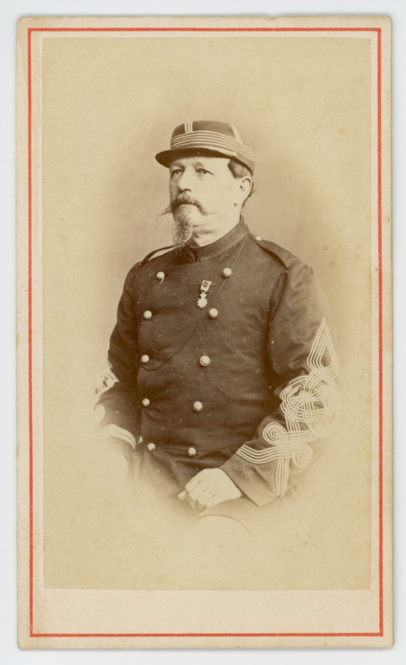 CDV - Ancienne Photographie - Colonel - Second Empire - Régiment D'infanterie - Uniforme - Médaille - Kepi
