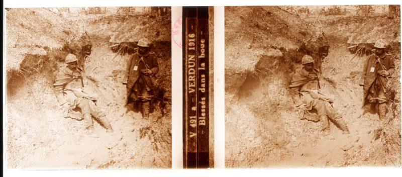 Photo Plaque Stéréo - Guerre 14/18 - Conflit - Tranchée - Vue Stéréoscopique - Poilu - Uniforme - Document actualité - 011