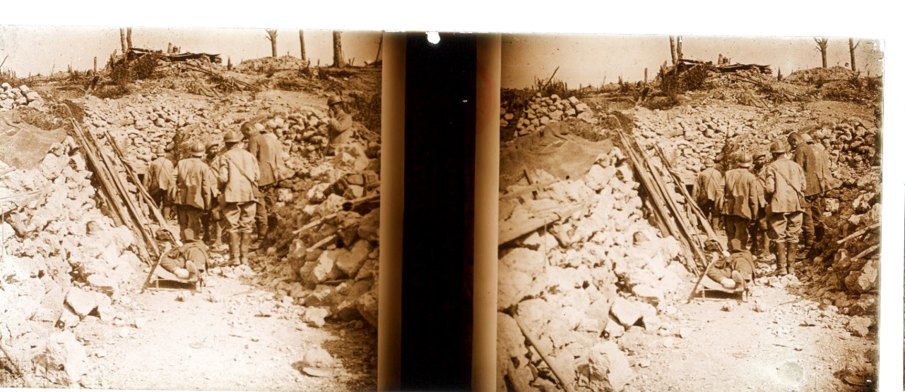 Photo Plaque Stéréo - Guerre 14/18 - Conflit - Tranchée - Vue Stéréoscopique - Poilu - Uniforme - Document actualité - 003