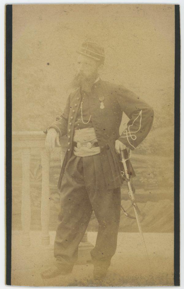 Carte Photo - Photographie ancienne - Zouaves - Officier - 4ème Zouaves - Tunisie - Uniforme - 3ème République