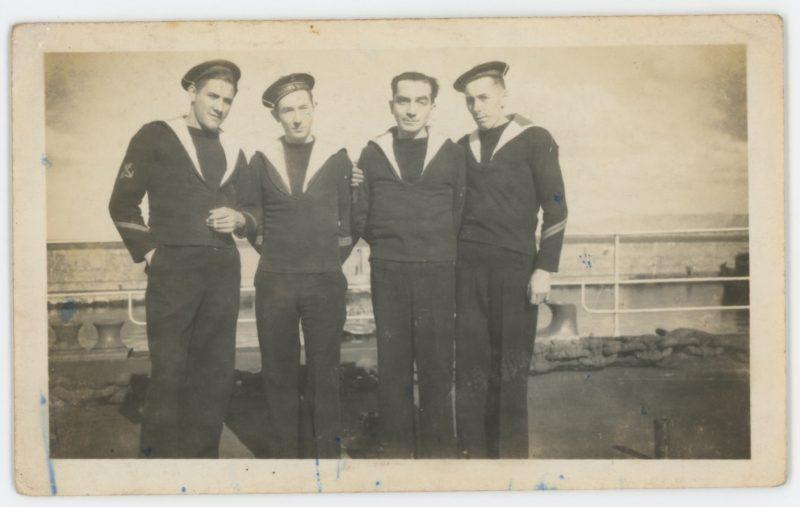 Lot de 31 photo Snapshots - Photo papier originale - Marine Française - Uniforme Matelot - France - Famille - Toulon - Oran - Service militaire