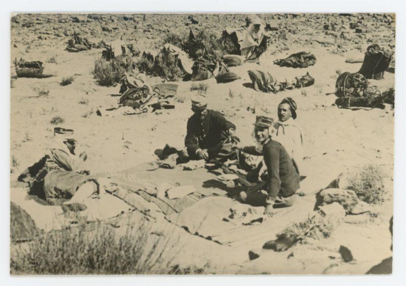Snapshot - Photo papier originale - Halte Méhariste 1911 - Uniforme - France - Famille - Sahara - Patrouille