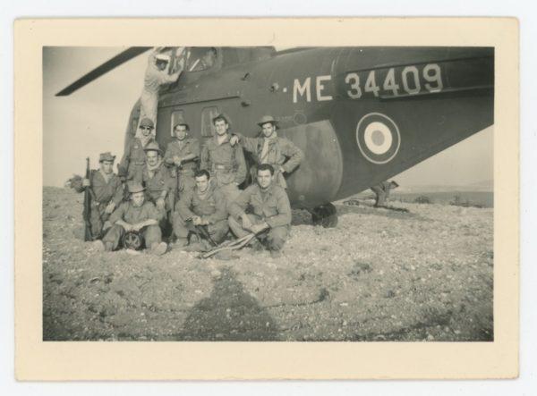 2 Snapshots - Photo papier originale - Guerre Algérie - Uniforme - France - Hélicoptère Patrouille