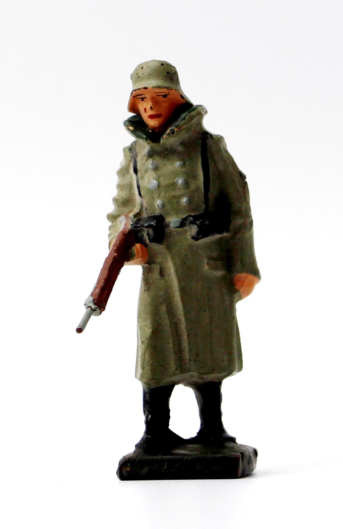 Ancienne Figurine en composition - Elastolin - Wehrmacht - Uniforme - Soldat - Guerre 39/45